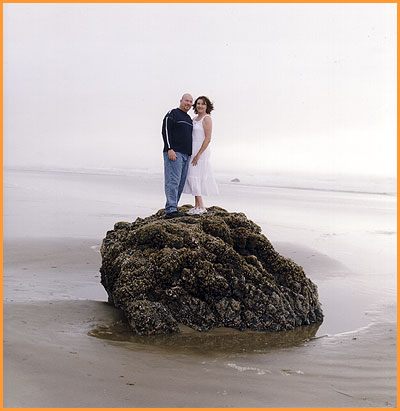 wedding photos at Oregon tidepool by Jim Stoffer Photography